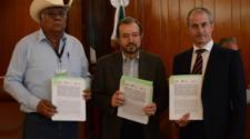 Firman convenio para fortalecer seguros del sector agropecuario
