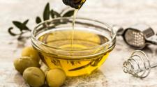 Con restos de aceite de oliva, eliminan fármacos en agua residual