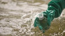 Investigador combina microorganismos e ingeniería para limpiar agua